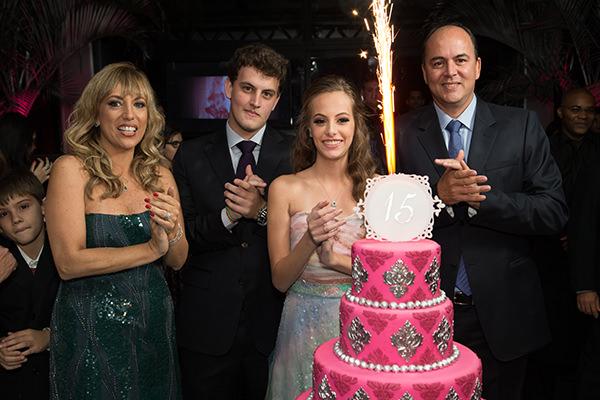 festa-15-anos-rosa-vrebel-17
