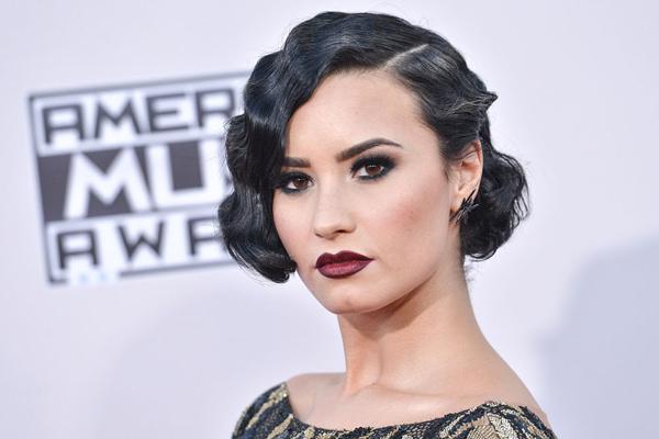 maquiagens do American Music Awards