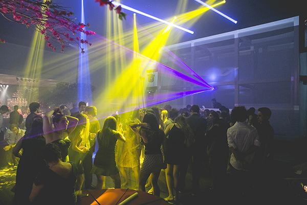 festa-15-anos-decoracao-biodelic-vivi-barros-brothers-bar30