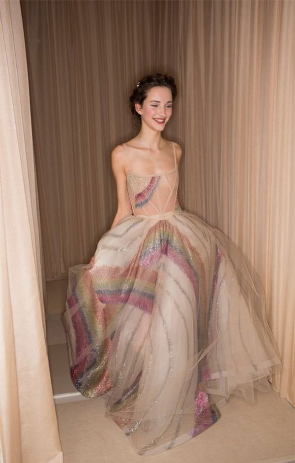 1-vestido-arco-iris-valentino